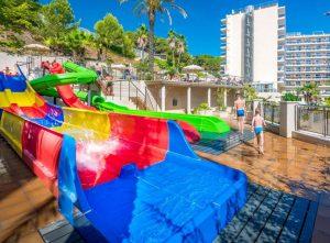 Hotel-Oasis-Park-Splash