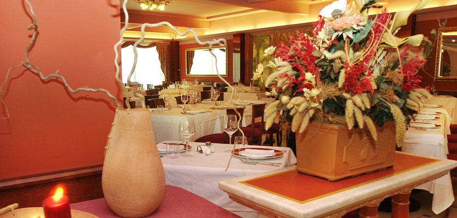 hotel-villa-nicolli-riva-lake-garda-italy-restaurant