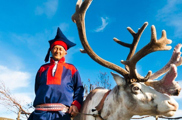 day-6_sami-and-his-reindeer-in-north-cape---2011-08-21